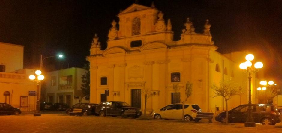 Le nostre Piazze: ...Piazza San Quintino con l'imponente Chiesa Madre...